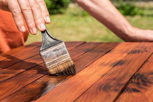 Морилка для дерева на водной основе: эффектный способ отделки